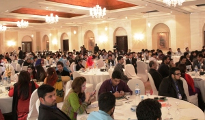 Hall jam-packed with nearly 400 attendees of the Social Media Summit