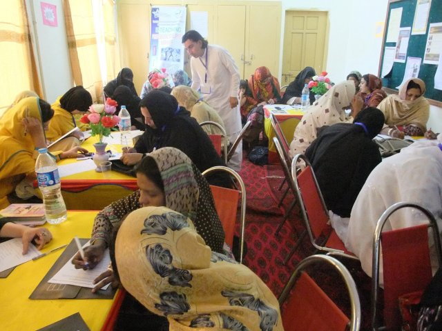 Alumnus Nazeer Ahmed oversees a brainstorming session during E-Teacher Professional Development Workshop for female teachers from May 5th to 10th, 2014.