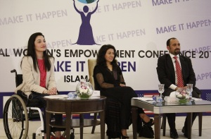 (From Left to Right) Moderator Muniba Mazari with Samina Baig and Mirza Ali Baig-brother, sister duo who climbed Seven Summits in 2014